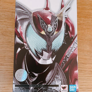 S.H.Figuarts(真骨彫製法) 仮面ライダーダークキバ(キャラクターグッズ)