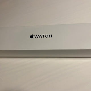アップルウォッチ(Apple Watch)のApple Watch SE/40mm/GPSモデル/ホワイトスポーツバンド(スマートフォン本体)
