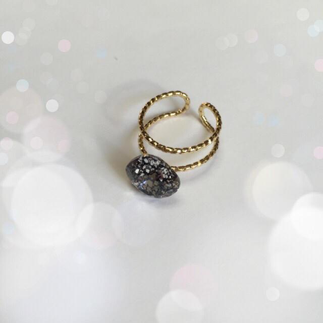 スワロフスキー 一粒ダブルリング ブラックパティナ ハンドメイドのアクセサリー(リング)の商品写真