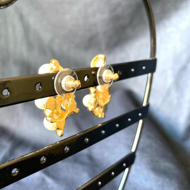 AVON(エイボン)の新品パールイヤリングピアス☆真珠イヤーカフフォーマルダンス レディースのアクセサリー(ピアス)の商品写真