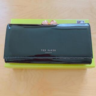 テッドベイカー(TED BAKER)の美品 Ted Baker 長財布 がま口 エナメル 黒(財布)