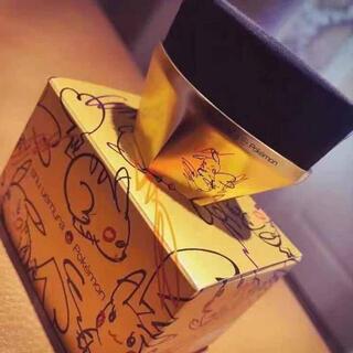 shu uemura - 【限定】 shu uemura ファンデーションブラシ ペタル55【ピカチュウ】