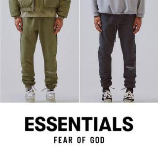 フィアオブゴッド(FEAR OF GOD)のFear of god essentials nylon track pants(ワークパンツ/カーゴパンツ)