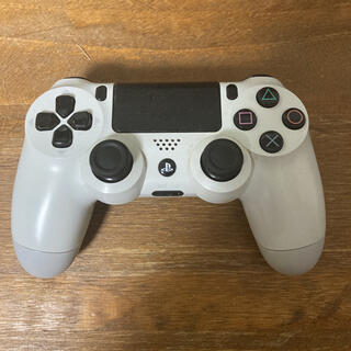 プレイステーション4(PlayStation4)のPS4 コントローラー 純正 ホワイト ジャンク (家庭用ゲーム機本体)