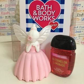 バスアンドボディーワークス(Bath & Body Works)の♡日本未発売BBWハンドジェルホルダー♡(キーホルダー)