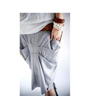 アンティカ(antiqua)のフロントタック スーツ生地スカート(ひざ丈スカート)