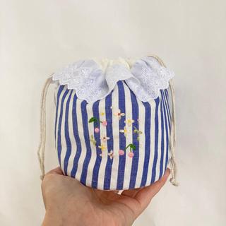 お花の輪っか刺繍の丸底巾着・コップ入れにも♪(外出用品)