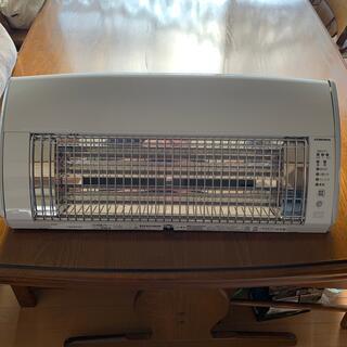 コロナ(コロナ)の新品 コロナ壁掛型遠赤外線暖房機(電気ヒーター)