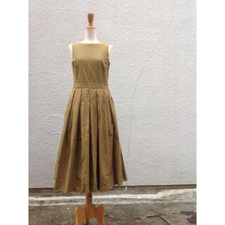ヤエカ(YAECA)のYAECA ヤエカ 15756 ビックタックワンピース/ドレス オリーブ M(ロングワンピース/マキシワンピース)