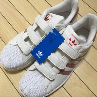 adidas スニーカー マジックテープ