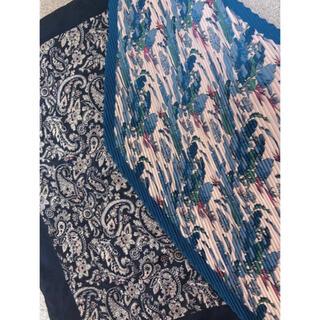 ユニクロ(UNIQLO)の花柄🌸ペイズリー🌱スカーフ バンダナ プリーツ 韓国(バンダナ/スカーフ)