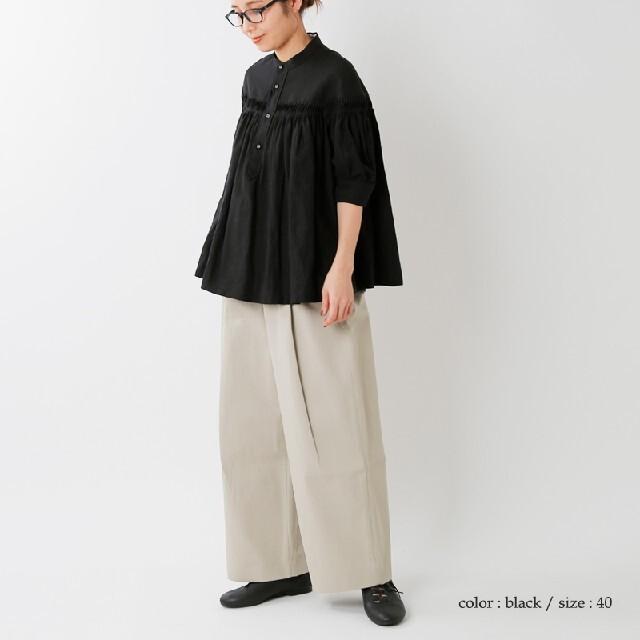 Scye(サイ)のScye  リネンタックブラウス 別注カラー ブラック サイズ40  サイ レディースのトップス(シャツ/ブラウス(半袖/袖なし))の商品写真