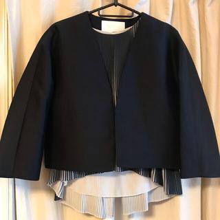 トゥモローランド(TOMORROWLAND)のジャケット&ノースリーブプリーツシャツ(ノーカラージャケット)