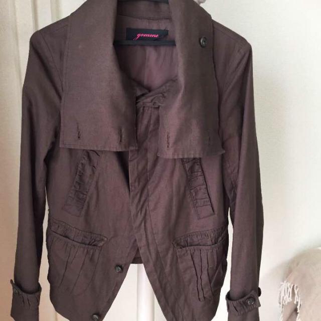 gomme(ゴム)のgomme ブラウンジャケット レディースのジャケット/アウター(ミリタリージャケット)の商品写真