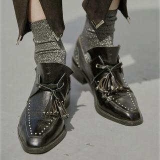 アメリヴィンテージ(Ameri VINTAGE)のアメリヴィンテージ STUDS TASSEL LOAFER シューズ(ローファー/革靴)