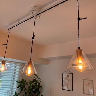 アクタス(ACTUS)のガラスシェード ペンダントライト LEDライト付き 3つセット(天井照明)