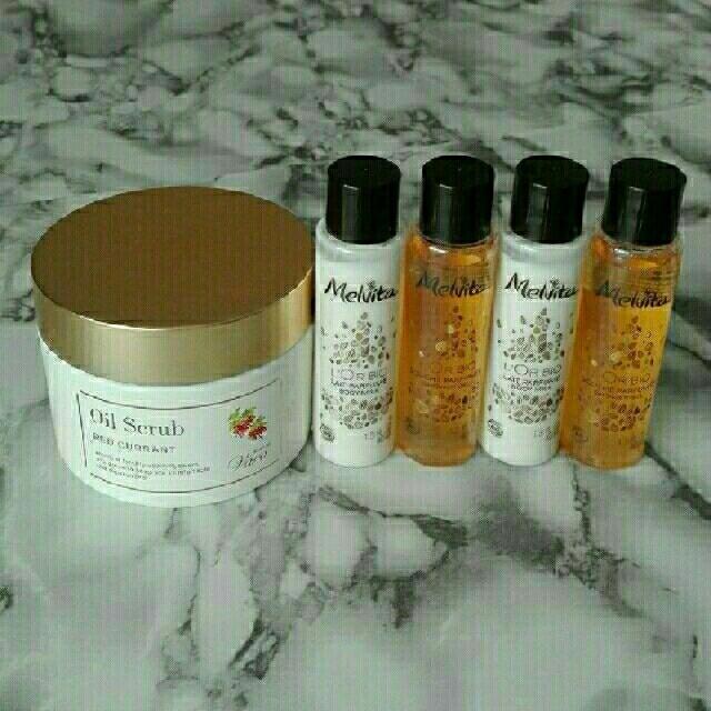 Melvita(メルヴィータ)の新品 メルヴィータ ボディミルク SCENT  OF  Varo オイルスクラブ コスメ/美容のボディケア(ボディソープ/石鹸)の商品写真