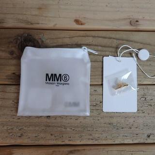 エムエムシックス(MM6)の【新品】 MM6 ロゴ スタッズ イヤリング ゴールド 片耳 ¥18,700(ピアス)