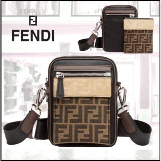 フェンディ(FENDI)のFENDI フェンディ FF small クロスボディバッグ(ショルダーバッグ)