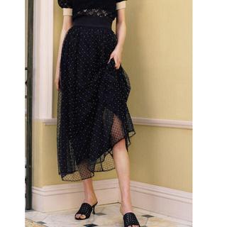 リリーブラウン(Lily Brown)のビーズ刺繍タックスカート(ひざ丈スカート)