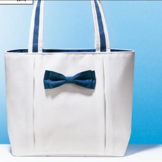 エイボン(AVON)の小ぶりサイズで使いやすいバッグ(トートバッグ)