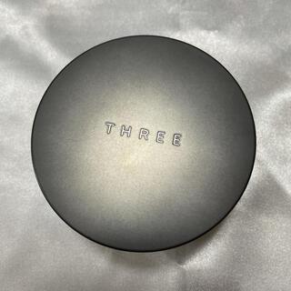 スリー(THREE)の #THREEアドバンスドエシリアルスムースオペレータールースパウダー 02 (フェイスパウダー)