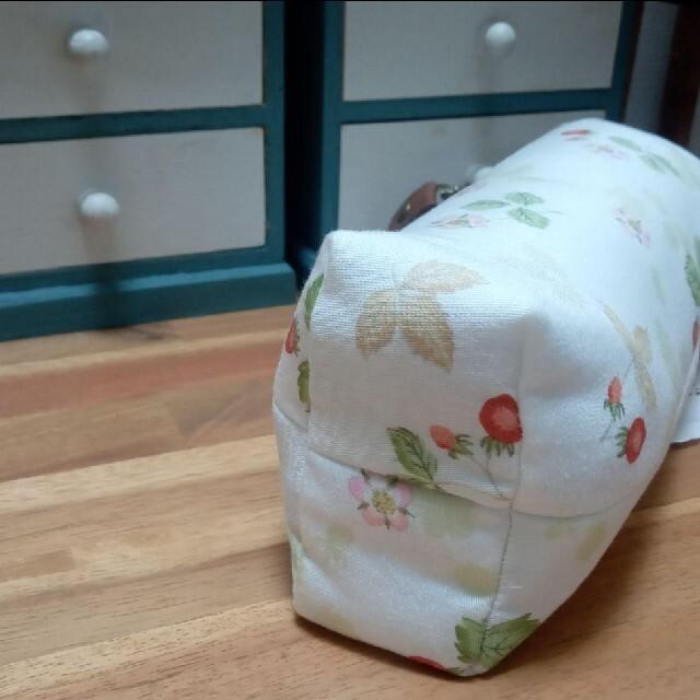 WEDGWOOD(ウェッジウッド)のふんわりペットボトルホルダー ワイルドストロベリー インテリア/住まい/日用品のキッチン/食器(弁当用品)の商品写真