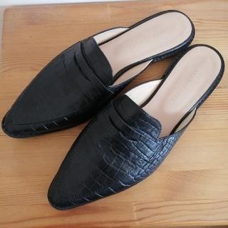 アダムエロぺ(Adam et Rope')のアダムエロペ コインローファーバブーサンダル 37 黒 バブーシュ(ローファー/革靴)