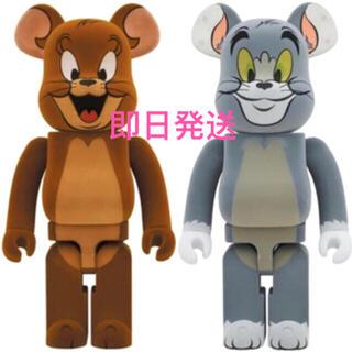 メディコムトイ(MEDICOM TOY)のBe@rbrick Tom & Jerry 2体セット Ver. 1000% (フィギュア)