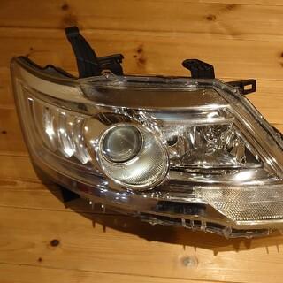 ニッサン(日産)のC25型セレナ 右ヘッドライトASSY(車種別パーツ)