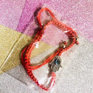 ナザールボンジュウ ハムサの手 ファティマ マクラメ編み赤紐ブレスレット 調整可(ブレスレット/バングル)