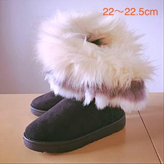 ザラ(ZARA)の美脚ボリュームファー✴︎22〜22.5ブラックムートンブーツ小さいサイズ(ブーツ)