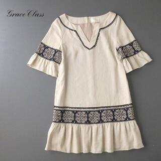 グレースコンチネンタル(GRACE CONTINENTAL)のgrace class グレース レーヨンリネン ワンピース/オーナメント刺繍(ひざ丈ワンピース)