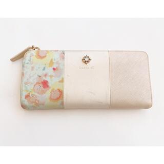 ヨンドシー(4℃)のLuria4℃ 花柄モチーフ長財布(財布)