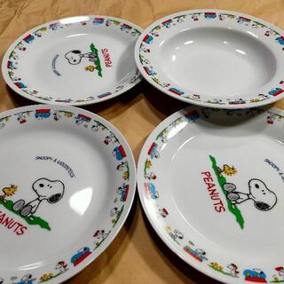スヌーピー絵皿4枚 (1枚も可)(食器)