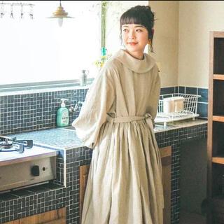 ヤエカ(YAECA)のroll collar dress ロールカラーワンピース harenoti(ロングワンピース/マキシワンピース)