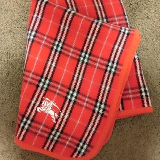 バーバリー(BURBERRY)のBURBERRYウール100%ブランケット厚手(レッド) (毛布)