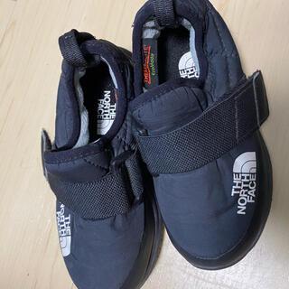ザノースフェイス(THE NORTH FACE)の☆美品☆ノースフェイス キッズ靴 black 16cm(スニーカー)