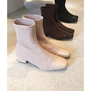 トゥデイフル(TODAYFUL)の【美品】TODAYFUL リブソックスブーツ38 ベージュ ショートブーツ 靴 (ブーツ)