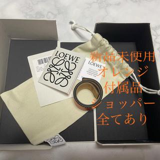 ロエベ(LOEWE)のロエベ レザー ブレスレット スモールスラップブレスレット オレンジ 品薄品(ブレスレット/バングル)