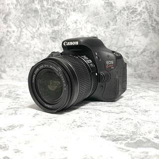 キヤノン(Canon)のCanon EOS KISS X5 Wズームキット【美品】ケース付き(写真額縁)