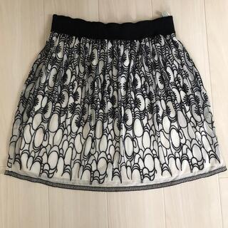 ヴィヴィアンタム(VIVIENNE TAM)のVIVIENNE TAM ネット素材 フレアスカート(ひざ丈スカート)