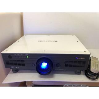 パナソニック(Panasonic)のPANASONIC PT-D5700 高輝度6000ルーメン機能セット311時間(プロジェクター)