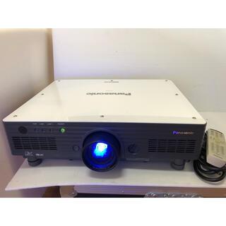 パナソニック(Panasonic)のPANASONIC PT-D5700 高輝度6000ルーメンランプ使用各395H(プロジェクター)