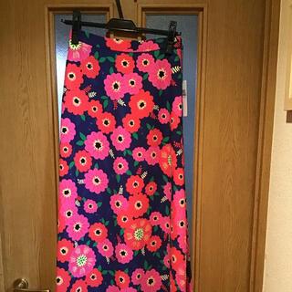 ロデオクラウンズ(RODEO CROWNS)の新品未使用 RODEO CROWNS 花柄 スカート(ロングスカート)
