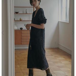 アメリヴィンテージ(Ameri VINTAGE)のFLOWER JACQUARD STRAIGHT DRESS(その他)