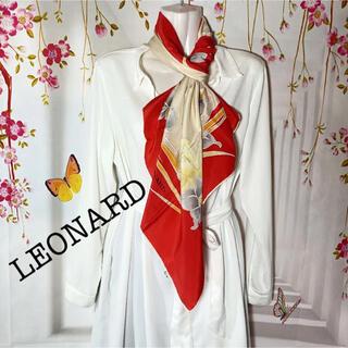 レオナール(LEONARD)のレオナール LEONARD 牡丹とアイリス柄 大判スカーフ(バンダナ/スカーフ)