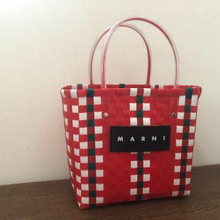 マルニ(Marni)のMARNI マルニピクニックバッグ レッド  (かごバッグ/ストローバッグ)