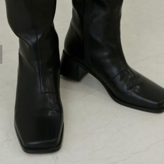 カスタネ(Kastane)の[お値下げ可]フェイクレザースクエアロングブーツ(ブーツ)
