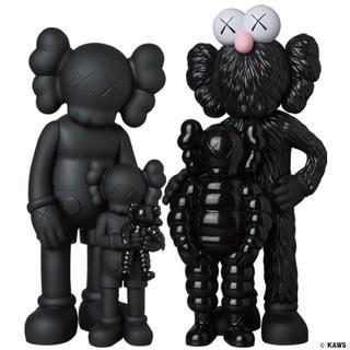 KAWS FAMILY BLACK KAWS TOKYO FIRST 未開封(キャラクターグッズ)